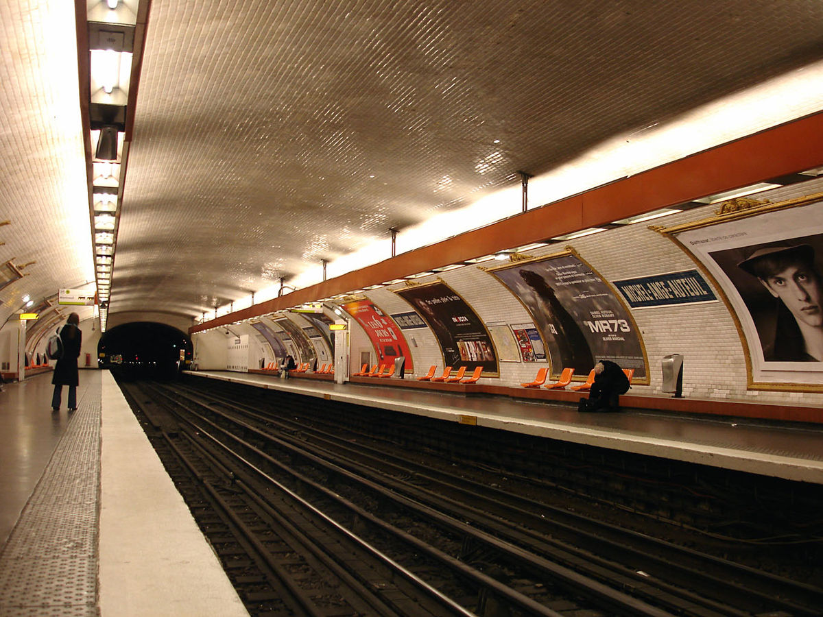 Michel ange auteuil paris m tro wikipedia - Metro saint michel paris ...