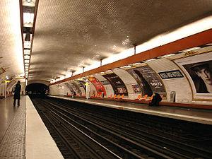 Michel-Ange – Auteuil (Paris Métro) - Image: Metro Paris Ligne 9 station Michel Ange Auteuil 01