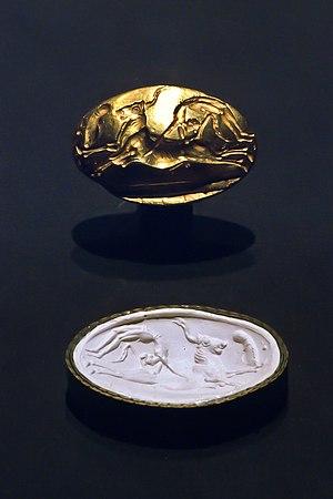Minoan sealstone - A gem-grade seal-stone and its impression.