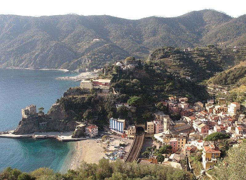 File:Monterosso al Mare-Italie.jpg
