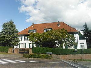 Roosdaal - Image: Monument 40525 Lindemansschool 1