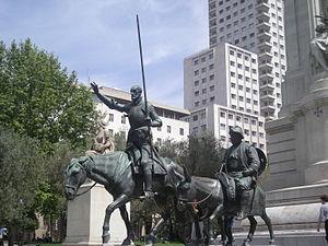 Estatuas de bronce de Don Quijote y Sancho Panza. Realizadas por el escultor Lorenzo Coullaut Valera (1876–1932) entre 1925 y 1930. Detalle del monumento a Cervantes (1925–30, 1956–57) de la Plaza de España de Madrid