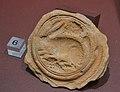 Motlle decorat amb llebre i ramell de raïm, Museu de Prehistòria de València.JPG