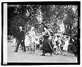 Mrs. Harding, Miss Harlan & children of D.A.R., 4-16-21 LOC npcc.03943.jpg