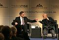 Msc 2009-Sunday, 8.30 - 11.00 Uhr-Dett 014 Jung Karzai Haendedruck.jpg