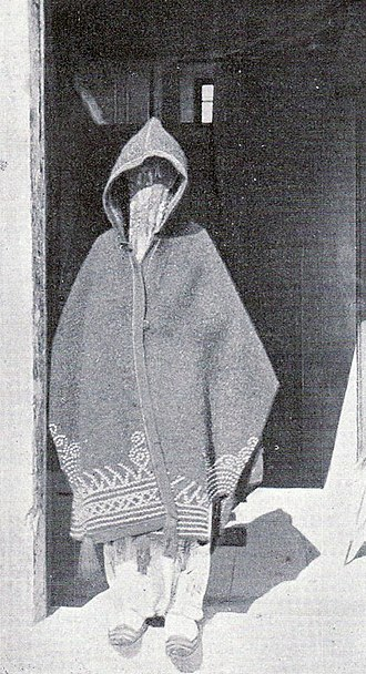 Islam in Montenegro - Image: Muslim woman in Dulcigno