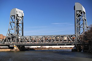 Broadway Bridge (Manhattan) - From the west