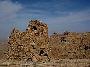 Nalut - Ruine eines alten Wachtturms.jpg