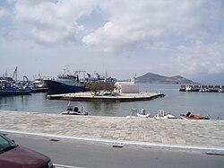 Η νησίδα της Παναγίας της Μυρτιδιώτισσας στο λιμένα Νάξου