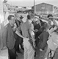 Nieuw aangekomen emigranten (oliem) in het doorgangskamp St. Lucas bij Haifa in , Bestanddeelnr 255-1170.jpg