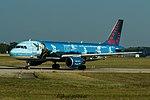 "OO-SNC Airbus A320-214 A320 - BEL ""Magritte"" (29969632746).jpg"