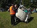 Oldtimertreffen am Waldparkring 2013 089 BMW Isetta (10211670734).jpg