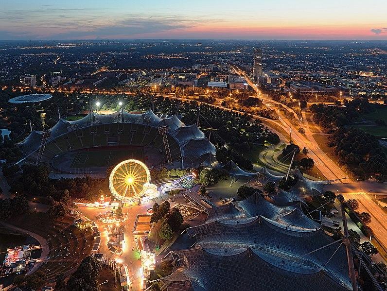 File:Olympiastadion at dusk.JPG