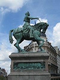 Orléans Jeanne d'Arc place du Martroi.jpg