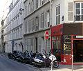 P1160909 Paris XVII rue Salneuve rwk.jpg