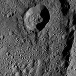 PIA20958-Ceres-DwarfPlanet-Dawn-4thMapOrbit-LAMO-image196-20160608.jpg