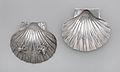 Pair of scallop shells MET DP267101.jpg