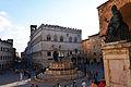 Palazzo dei Priori e Fontana Maggiore 01.jpg