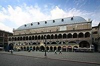 Palazzo della Ragione Padua Fassade.jpg