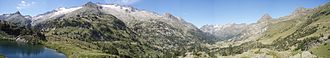 Aneto - Image: Panorámica valle Benasque