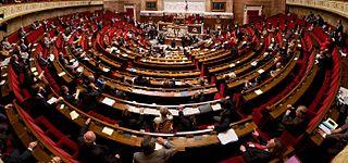 Edifiant : Les privilèges des fonctionnaires de l'Assemblée nationale (vidéo)  dans Economie 320px-Panorama_de_l%27h%C3%A9micyle_de_l%27assembl%C3%A9e_nationale