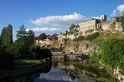 Parthenay Citadel from Saint-Paul Bridge 2.jpg