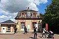Pavillon entrée est Château Breteuil Choisel 2.jpg