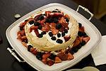 Pavlova cake.jpg