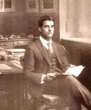 Pier Giorgio Frassati - Frassati in his father's office – c. 1920