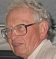 Philip Warren Anderson (cropped) (2).jpg