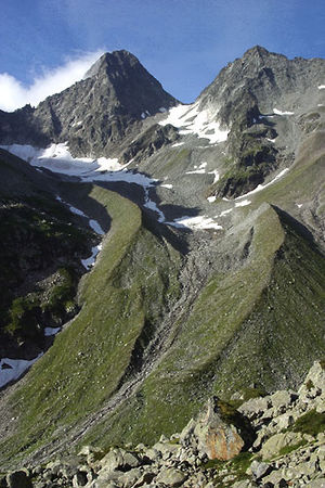 Piz Nair (Glarus Alps) - Piz Nair (left) and Hälsistock (right) from the Etzli valley