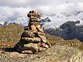Plateau d'emparis, (2250 m.) cairn 02.JPG