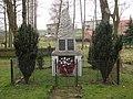 Pomník v Malých Číčovicích.jpg