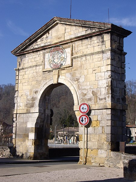 Porte du pont de Saint-Martory (31)