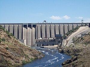 Alcántara Dam - Image: Presa de Alcántara