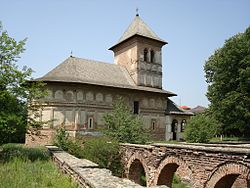 RO MH Streiaia monastery church with ruins in foreground.jpg