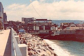 Descendents - Image: Redondo Beach Pier 02