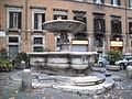 Regola - fontana del pianto a piazza delle cinque Scole 1464.JPG