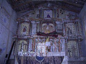 Chiliquín District - The altarpiece of the church.