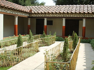 Giardino all'italiana - Reconstruction of the garden of the House of the Painters in Pompeii