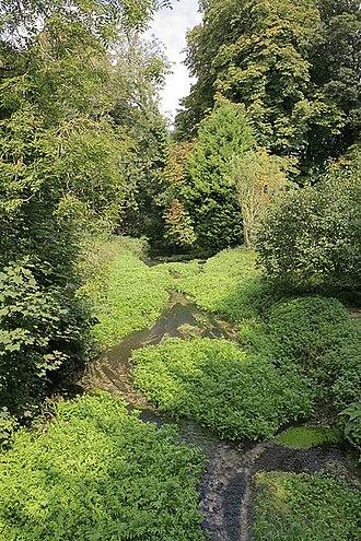 River Meon - Image: River Meon upstream, of the A32 roads bridge at Warnford geograph.org.uk 239505