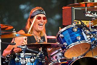 Roger Earl British drummer