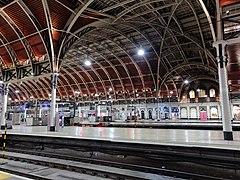 Roof Cross Arches towards the Ticket Office, Paddington Station.jpg