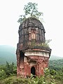 Ruined Pancharatna Temple at Garh Panchakot.JPG
