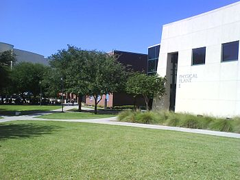 English: South Texas College Quad Pecan Campus