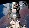 STS-32 LDEF retrieval.jpg