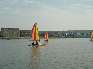 Sailing on West Kirby Marine Lake - 2003-07-15 (2).JPG