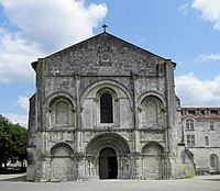 Saintes (17) Abbatiale Sainte-Marie-aux-Dames Façade occidentale 02.JPG