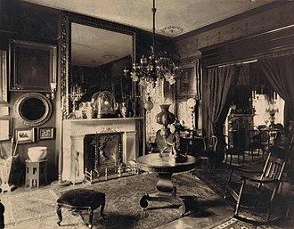 Sarah Polk Fall - Sallie's home displaying items from Polk Place.