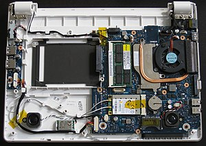 Samsung NC20 - Samsung NC20 opened (harddrive and battery removed)